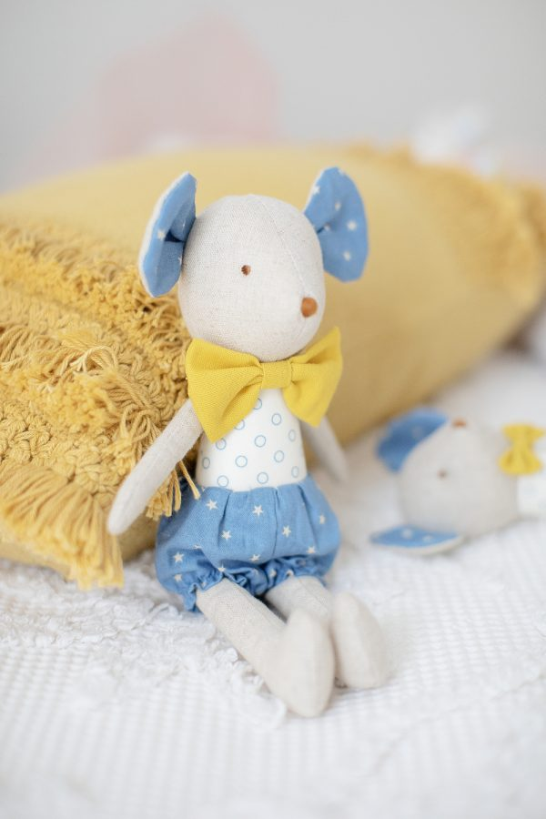 Alimrose Henry Mouse   Sweet Arrivals baby hampers